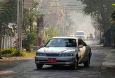 街道在Nyaungshwe乡,缅甸 库存照片