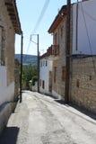 街道在Omodos村庄,在海岛上  库存照片