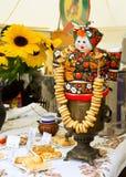 街道在Shrove忏悔节的自动贩卖机薄煎饼 库存照片