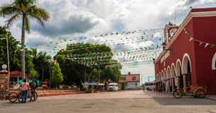 街道在Tetiz,尤加坦,墨西哥 免版税图库摄影