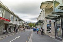 街道场面和昆斯敦,新西兰的南岛商业区  库存照片