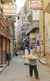街道场面在开罗老城镇在埃及 免版税库存照片