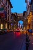 街道场面在老镇佛罗伦萨 免版税库存图片
