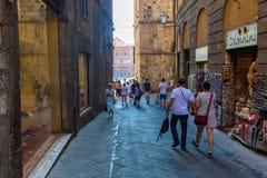 街道场面在锡耶纳,托斯卡纳,意大利 库存照片