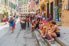街道场面在韦尔纳扎,五乡地,意大利 库存图片