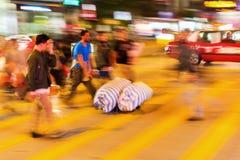 街道场面在香港在晚上 免版税库存照片