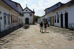 街道场面在Paraty,巴西 免版税图库摄影