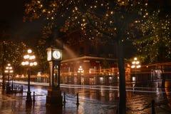 水街道夜, Gastown,温哥华 库存图片