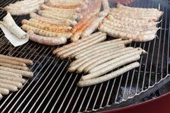 街道快餐,在bbq的烤香肠 库存照片
