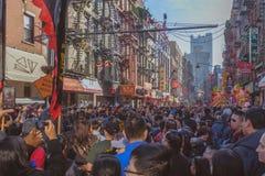 街道拥挤与人在农历新年的天 库存图片