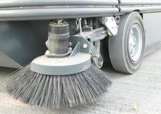 街道清扫车前面刷子  免版税库存照片