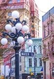 街道灯笼在温哥华Gastown -历史的区-温哥华/加拿大- 2017年4月12日 库存照片