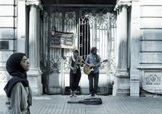 街道爵士乐音乐家妇女和人 免版税图库摄影