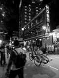 街道生活夜生活运动,在颜色的地道夜场面环境,越南 库存照片