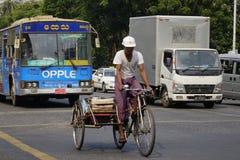 街道生活在曼德勒,缅甸 库存图片
