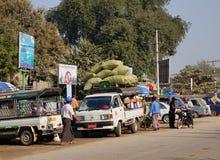 街道生活在仰光,缅甸 库存照片