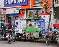 街道生活在仰光,缅甸 免版税图库摄影