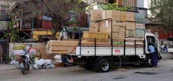 街道生活在仰光,缅甸 免版税库存图片