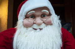 街道的圣诞老人 图库摄影