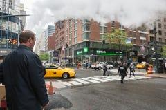 从街道的蒸气地下在NYC 免版税图库摄影