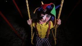 街道的蠕动的小丑,摇摆 恶梦图片 股票录像