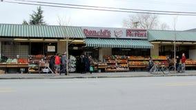 街道的超级市场 库存图片