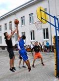 街道篮球比赛 免版税库存图片