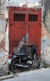 街道艺术在槟榔岛,老摩托车 图库摄影