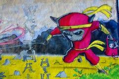 街道艺术在起动的蒙特利尔少女 图库摄影