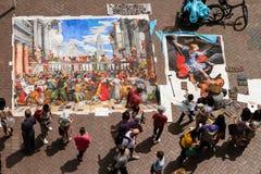街道艺术家在阳光下 免版税库存图片