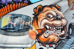 街道艺术蒙特利尔牛头犬 免版税库存照片
