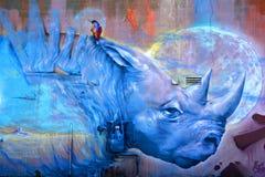 街道艺术蒙特利尔蓝色犀牛 免版税库存图片