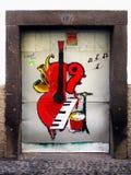 街道艺术,被绘的门,马德拉岛 库存图片
