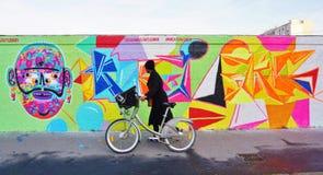 街道艺术Mur罗莎・帕克斯的壁画在巴黎 库存图片