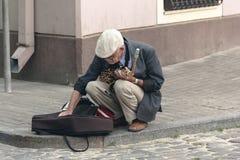 街道萨克斯管吹奏者 免版税库存图片