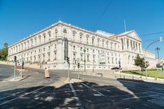 街道观点的葡萄牙议会,圣地Bento宫殿,在L 免版税库存图片