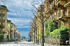 街道视图向Geneva湖在洛桑 免版税库存图片