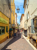街道视图在安地比斯老镇,法国 图库摄影