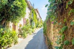 街道视图在安地比斯老镇,法国 免版税图库摄影