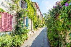 街道视图在安地比斯老镇,法国 库存图片