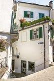 街道视图在老市苏黎世在瑞士在夏天 库存照片