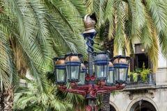街道金属葡萄酒灯在巴塞罗那 库存图片
