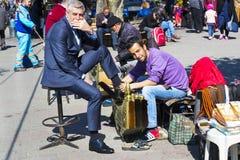 街道鞋子擦净剂在市伊斯坦布尔在土耳其 库存图片