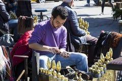 街道鞋子擦净剂在市伊斯坦布尔在土耳其 免版税库存照片
