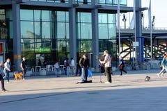 街道音乐家在柏林 免版税库存图片