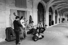 街道音乐家在巴黎 库存照片