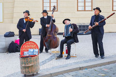 街道音乐家(卖艺人)在布拉格,捷克 库存图片
