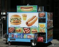 街道食品厂家推车在曼哈顿 库存照片