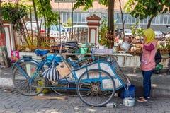 街道食物在三宝垄,西爪哇省,印度尼西亚 图库摄影