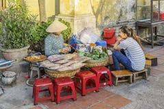 街道食物在会安市,越南 免版税库存照片